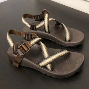Women's Chaco brown geometric print sandals